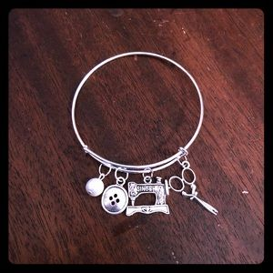 💙🌺Sewing Lover Adjustable Charm Bracelet🌺💙
